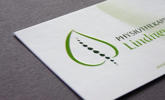 Physiotherapie Lindner Visitenkarte mit Relieflack