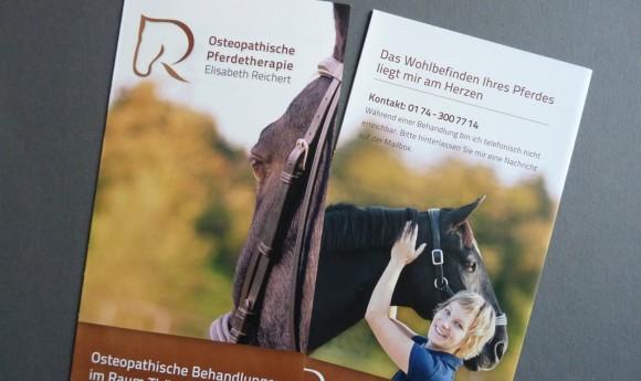 Flyer der Osteopathischen Pferdetherapie Elisabeth Reichert