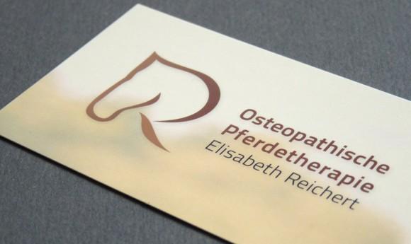 Visitenkarte der Osteopathischen Pferdetherapie Elisabeth Reichert